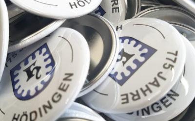 Pins / Buttons zum Jubiläum von Hödingen