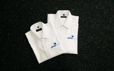 Hemden mit Firmenlogo bestickt