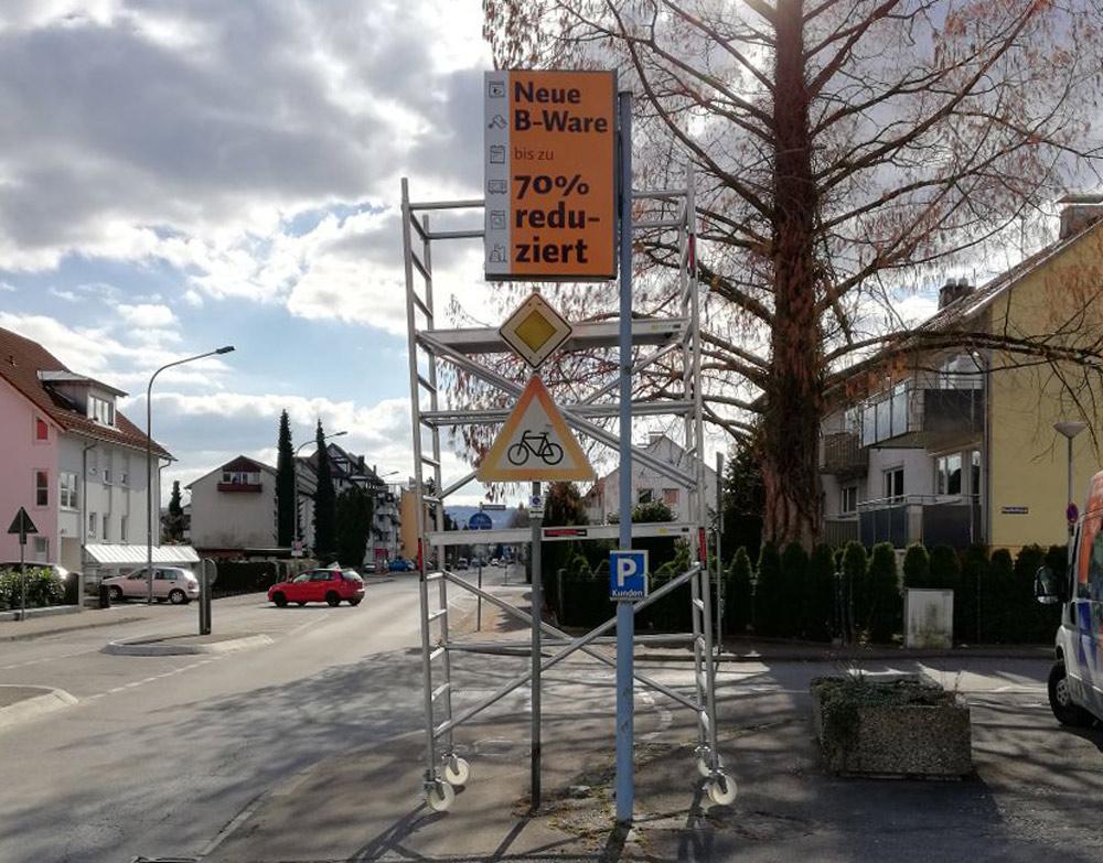 TMS-Lagerverkauf-Straßenschild