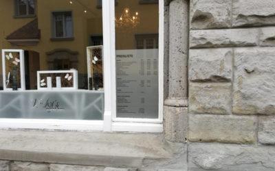 Schaufenster- und Türbeschrifung