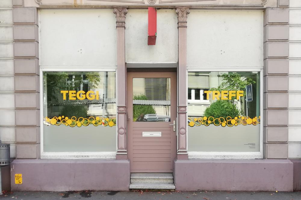 teggi-treff-fensterbeschriftung-aussenwerbung