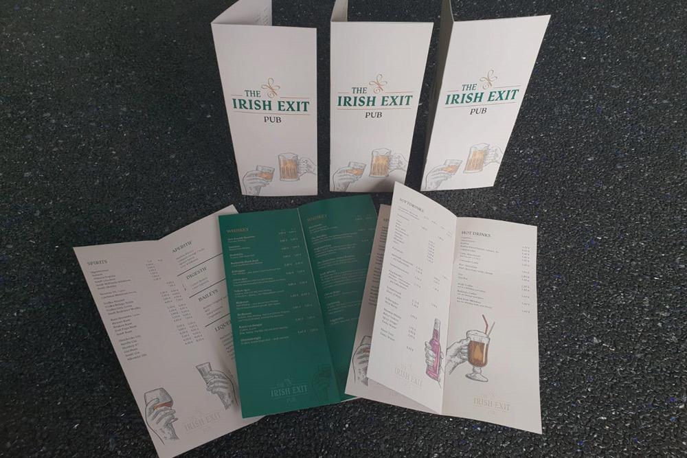 The Irish Exit, Getränkekarte, Rückendrahtheftung, alle